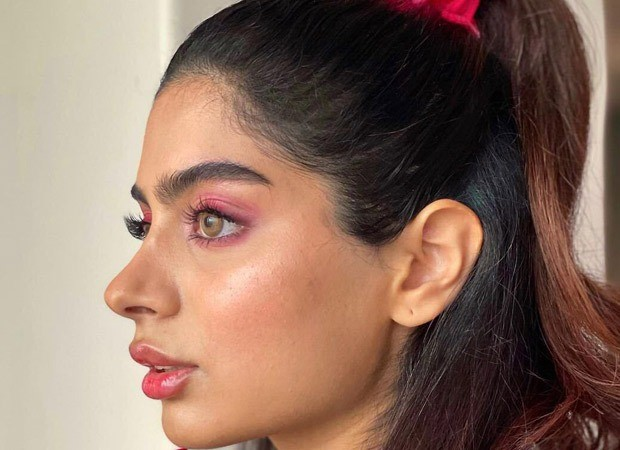 Khushi Kapoor channels Ariana Grande while sporting soft glam and high ponytail : Bollywood News